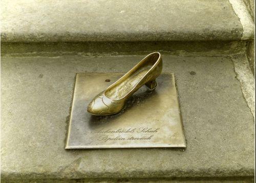golden shoe fairy tales moritz castle