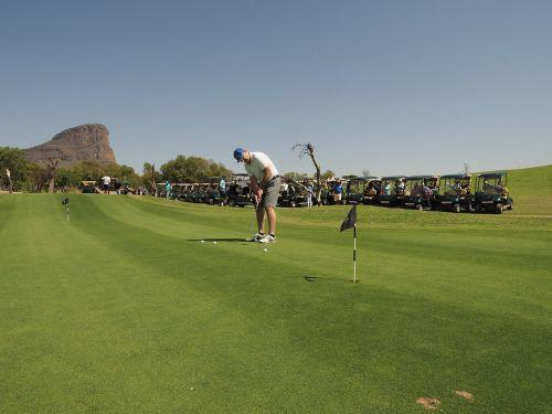 golf golfing practicing
