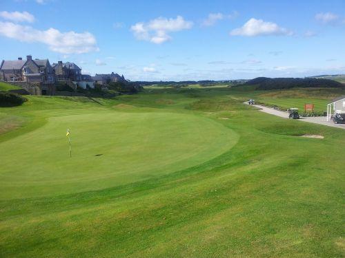 golf 18th green