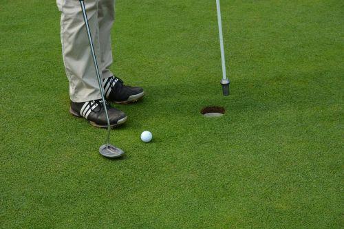 golf eingelocht green