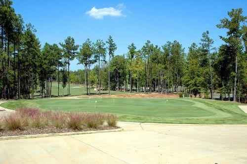 golfo laukas,golfas,įdėti žalią,kraštovaizdis,Sportas,žaidimas,žalias,žinoma,žolė,dangus,gamta,poilsis,klubas,golfo aikštynas,golfas,varzybos,laisvalaikis,lauke,žaisti,golfo žaidėjas,skylė,veja,golfo klubas,kurortas,golf tee,golfo kamuoliukas,įranga,tee,gyvenimo būdas,pratimas