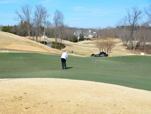 golfo laukas,golfas,įdėti žalią,kraštovaizdis,Sportas,žaidimas,žalias,žinoma,žolė,dangus,gamta,poilsis,klubas,golfo aikštynas,golfas,varzybos,laisvalaikis,lauke,žaisti,golfo žaidėjas,skylė,veja,golfo klubas,kurortas,golf tee,golfo kamuoliukas,įranga,tee,gyvenimo būdas,pratimas,asmuo