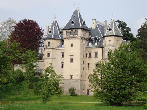 goluchów poland castle