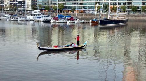 gondola,puerto madero,kanalas,Buenos Airės