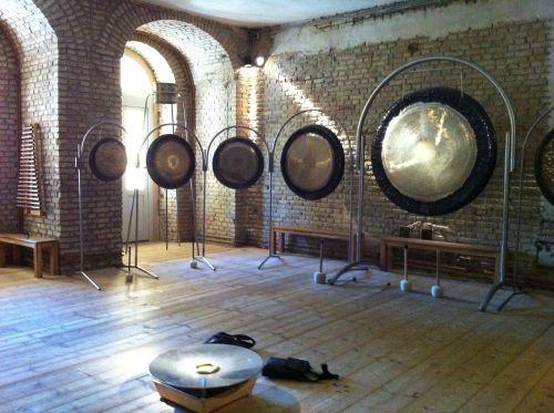gongs brick walls seminar room