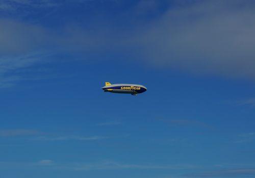 airship goodyear blimp