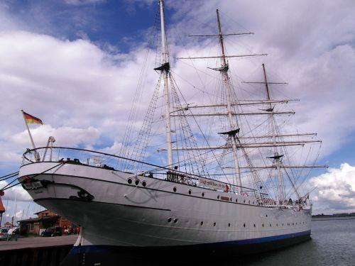 gorch fock stralsund ship