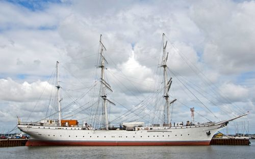 gorch fock stralsund sailing vessel