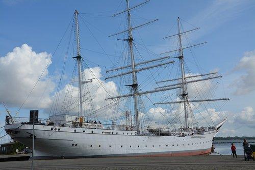 gorch fock  sail training ship  marina