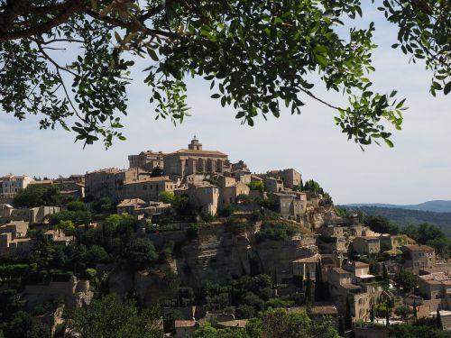 gordes village château de gordes