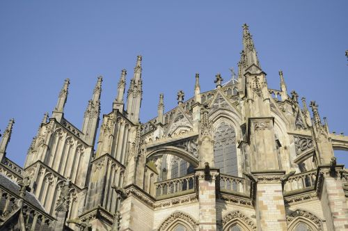 gothic cathedral flying buttresses