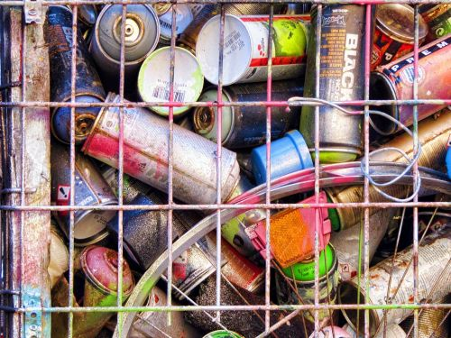 graffiti cans of paint spray