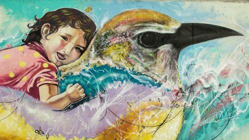 grafiti,spalvinga,grafiti siena,vaikas,paukštis,Kipras,ayia napa
