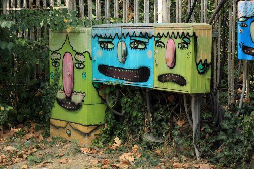 graffiti boxes painting