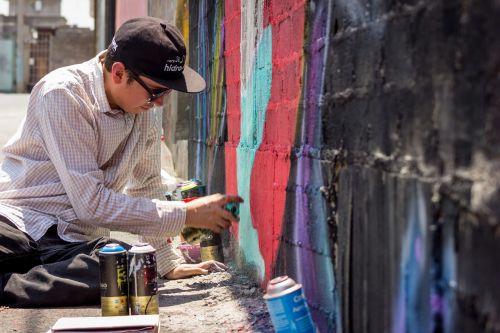 graffiti artist spraycan