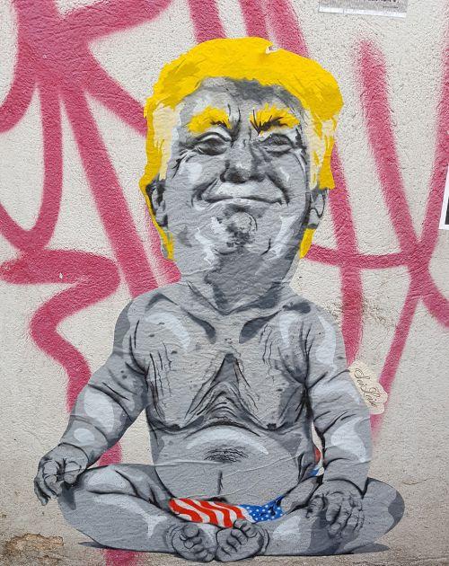 graffiti trump mural
