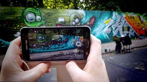 graffiti sprayer color