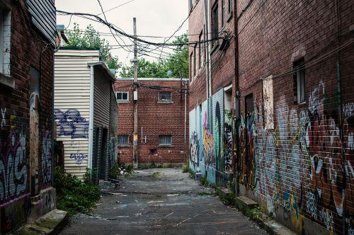 graffiti vandalism houses