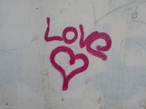graffiti heart love