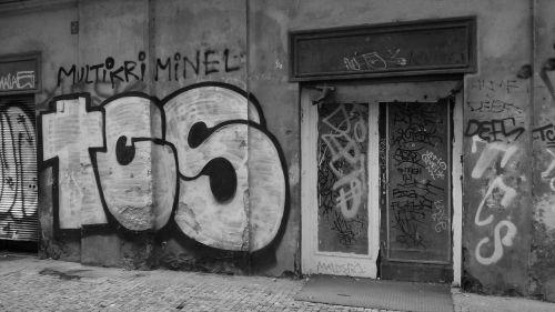 graffiti street art old