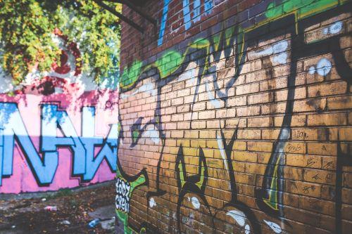 graffiti gold wall