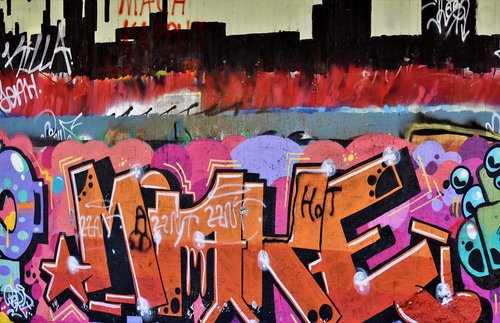 grafitti  lost places  abandoned train station