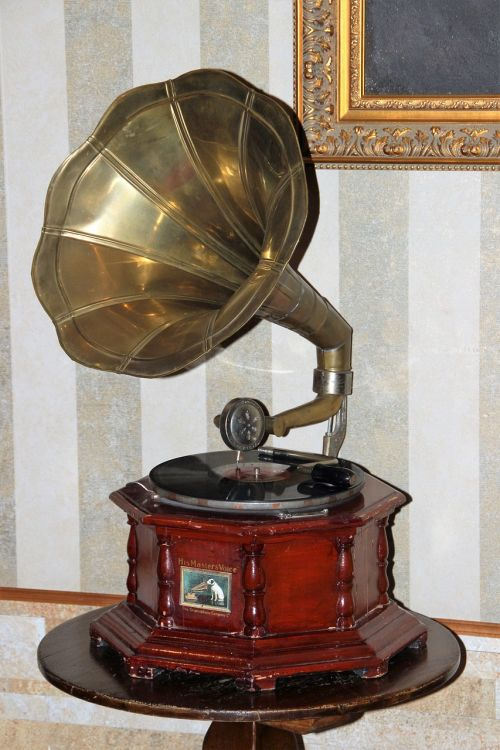 gramophone turntable shellac disc