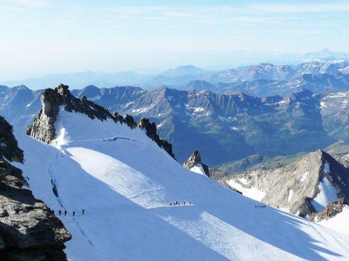 gran paradiso mountain snow
