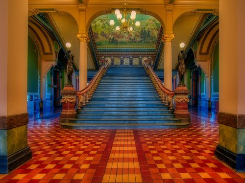 grand staircase  iowa state capitol  inside