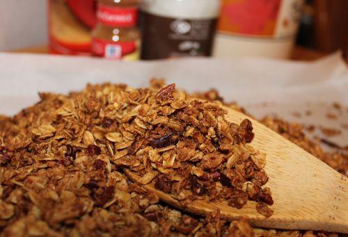 granola oats cinnamon