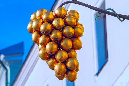 grapes  gold  metal