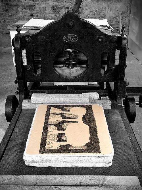 graphic print pressure