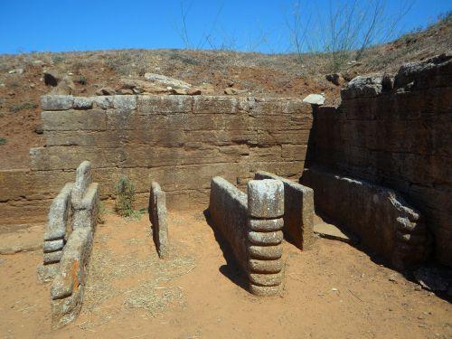 grave etruscan excavations