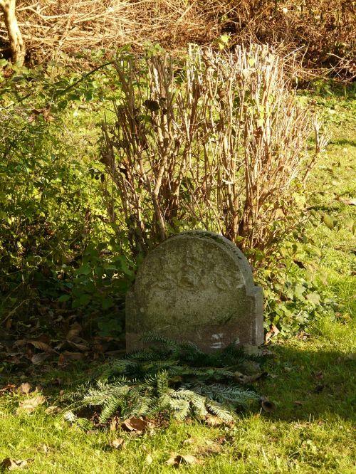 grave tombstone stone