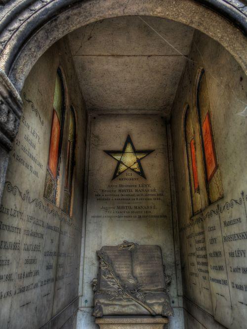grave tomb cemetery
