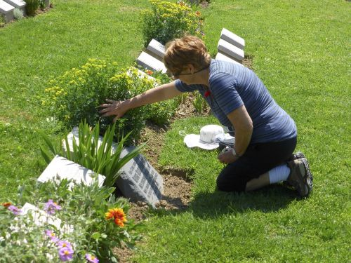 grave grieving cemetery