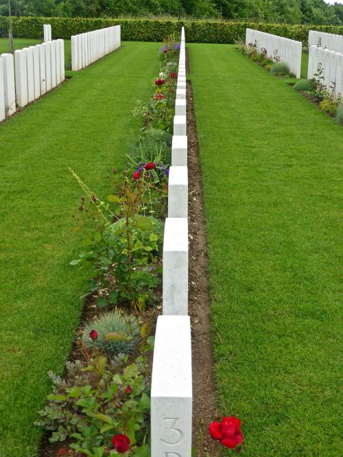 gravestones military remembrance