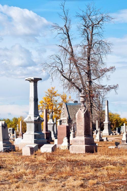 graveyard grave tombstones