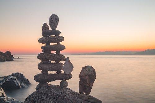 gravity  sea  stone