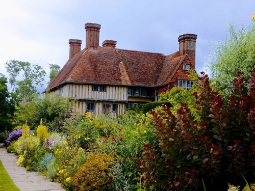 great dixter old house garden
