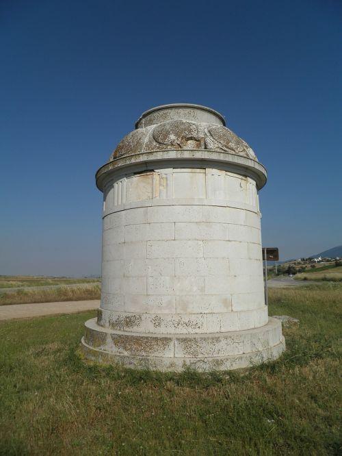 greece leftra monument