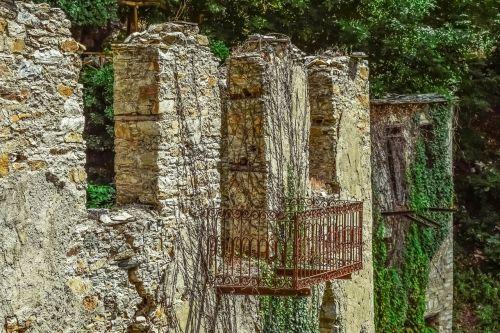 Graikija,Pelio,milies,namas,paliktas,sunaikinta,sugadinti,skilimas,architektūra,balkonas