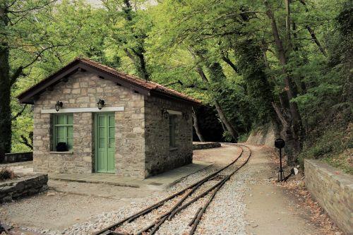 Graikija,magnezija,milies,traukinių stotis,bėgiai,vintage,turizmas,peizažas