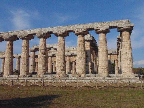 greek temples paestum columns