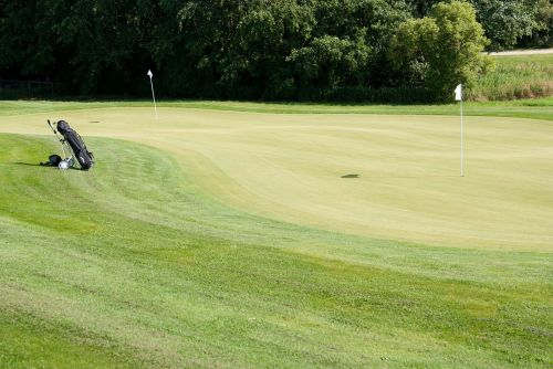 green golf club putten