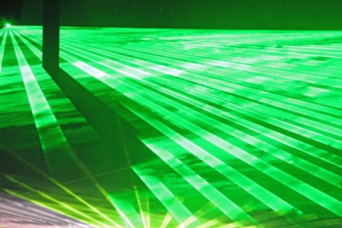 green laser plays of light