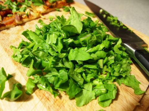 green food cutting