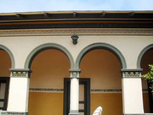 Green Arches Of Woerman House