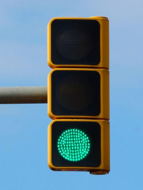 green traffic light pass free