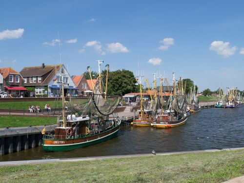 greetsiel port coast